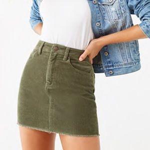 NWT Forever21 Mini Frayed Corduroy Skirt. Size M